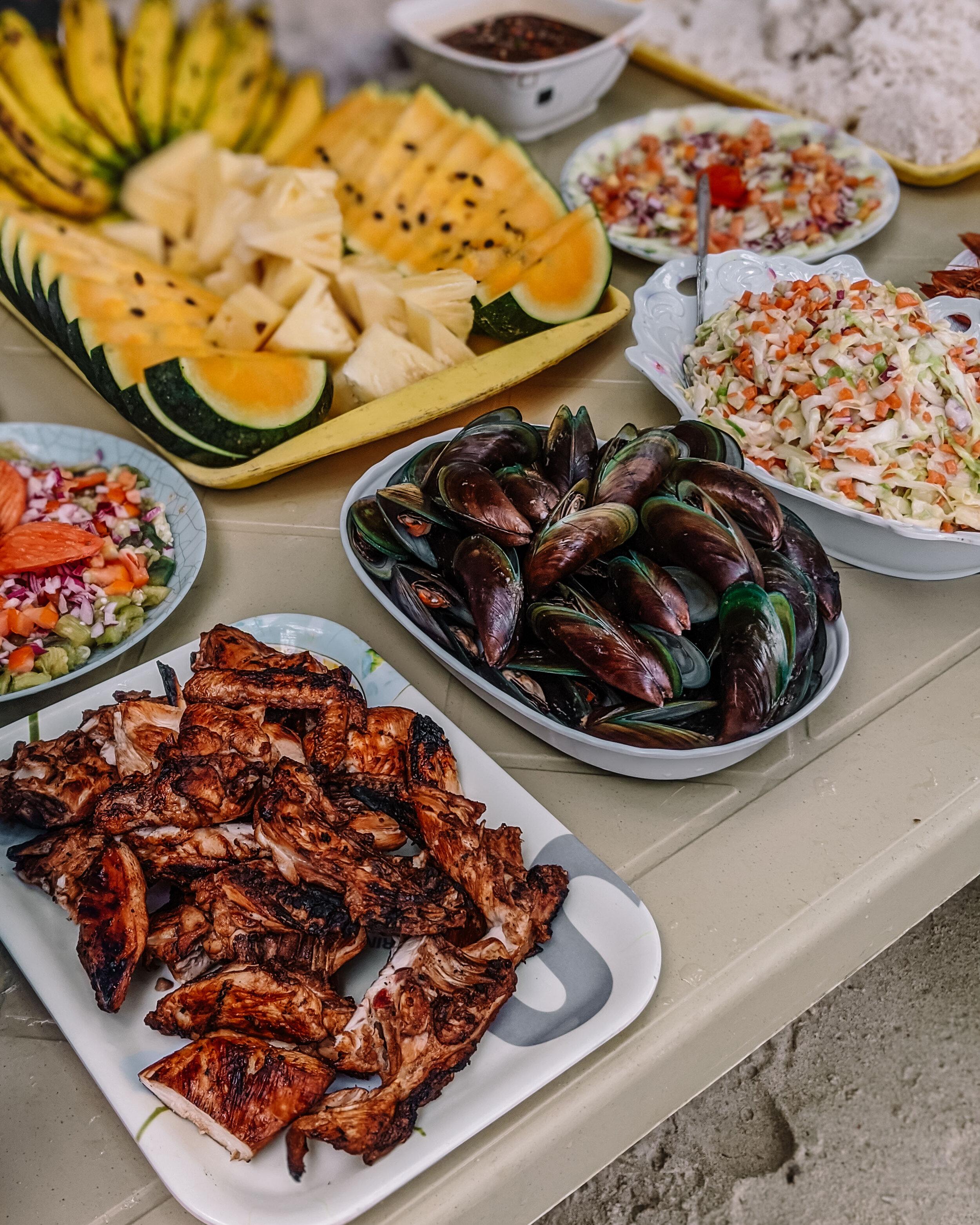 Rachel Off Duty: Lunch Potluck in El Nido, Philippines