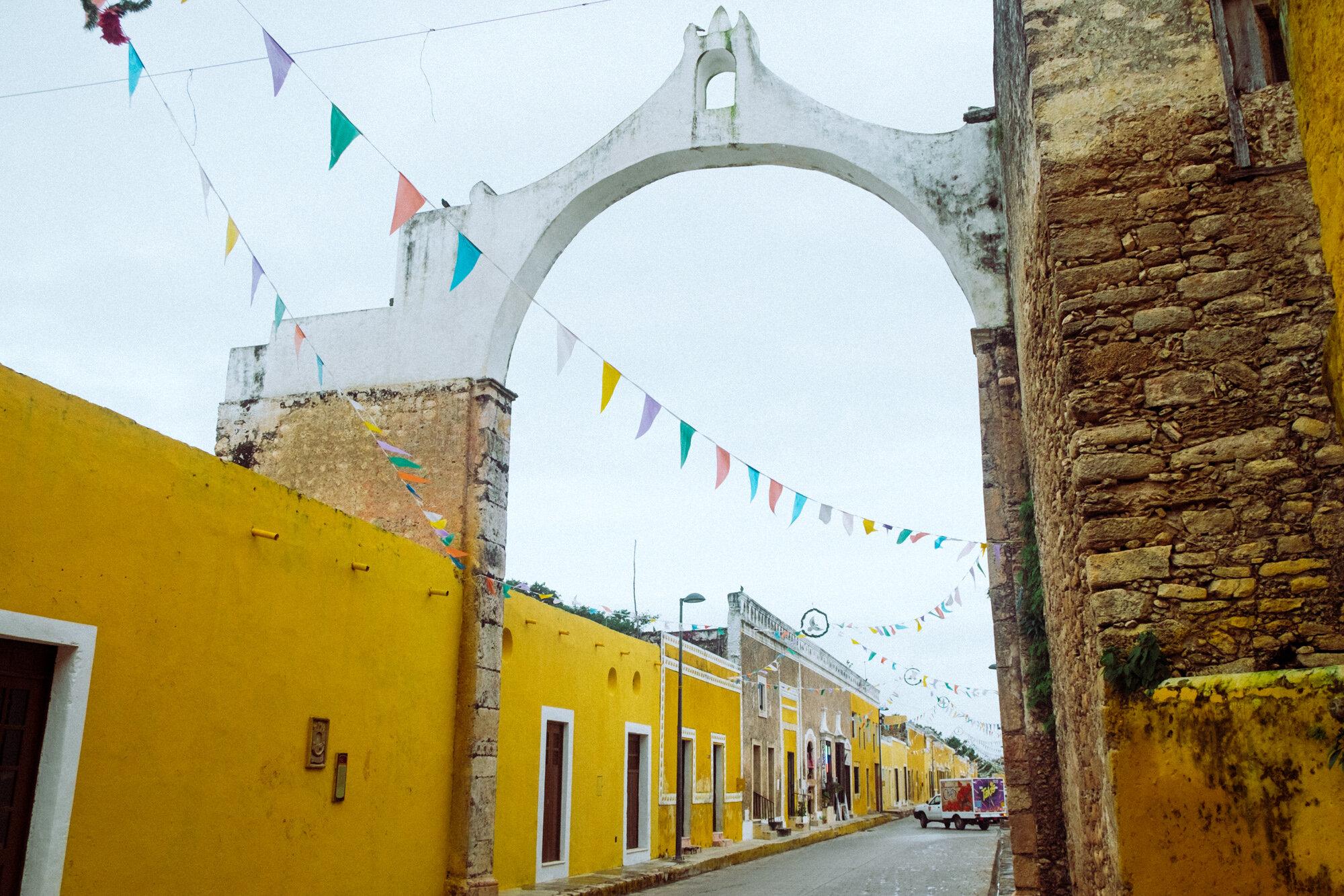 Rachel Off Duty: The Yellow, Cobblestoned Streets of Izamal, Mexico