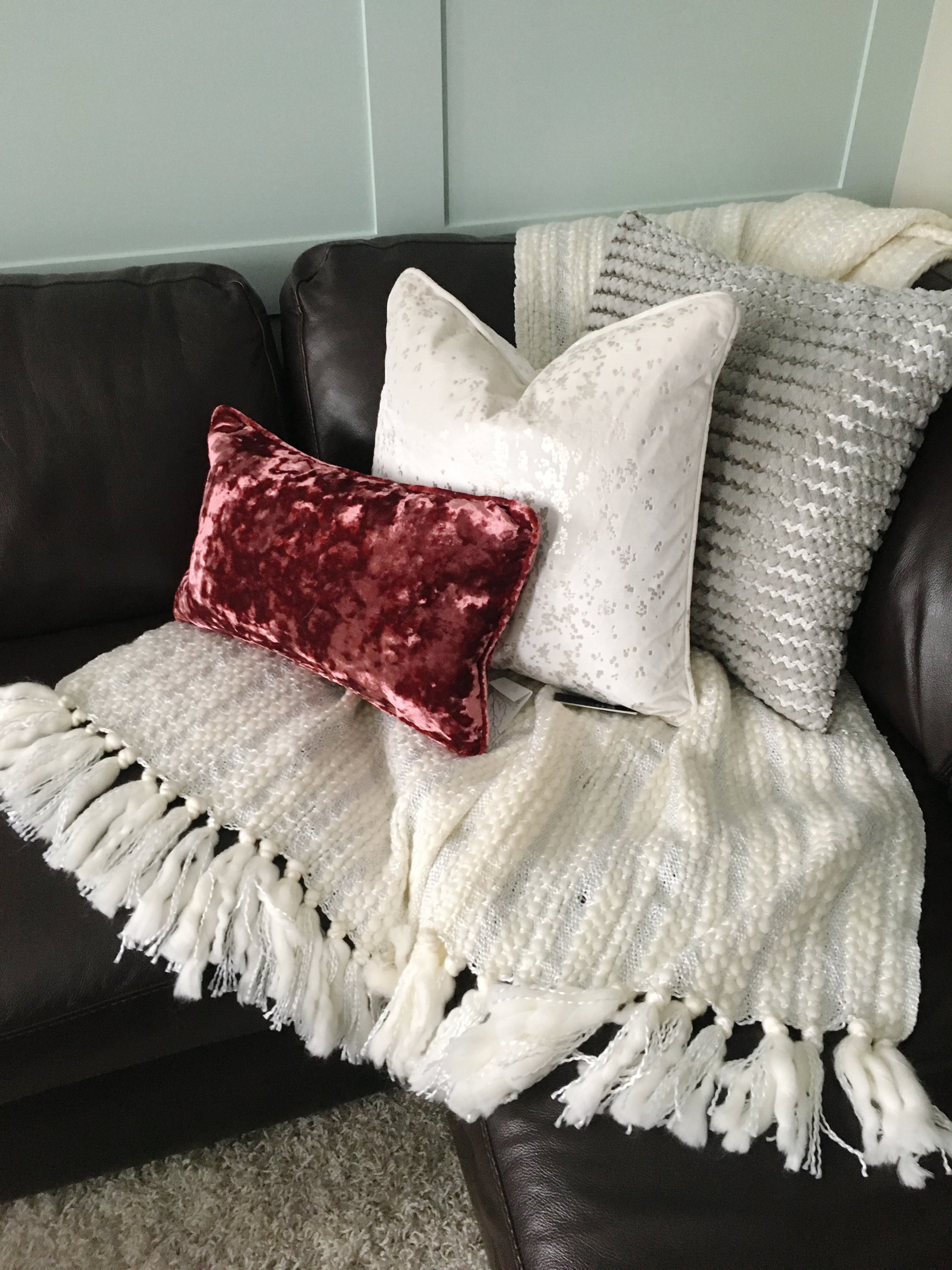 [I COULDN'T RESIST ADDING A POP OF COLOUR WITH THESE BEAUTIFUL CRUSHED VELVET PILLOWS FROM HOMESENSE]