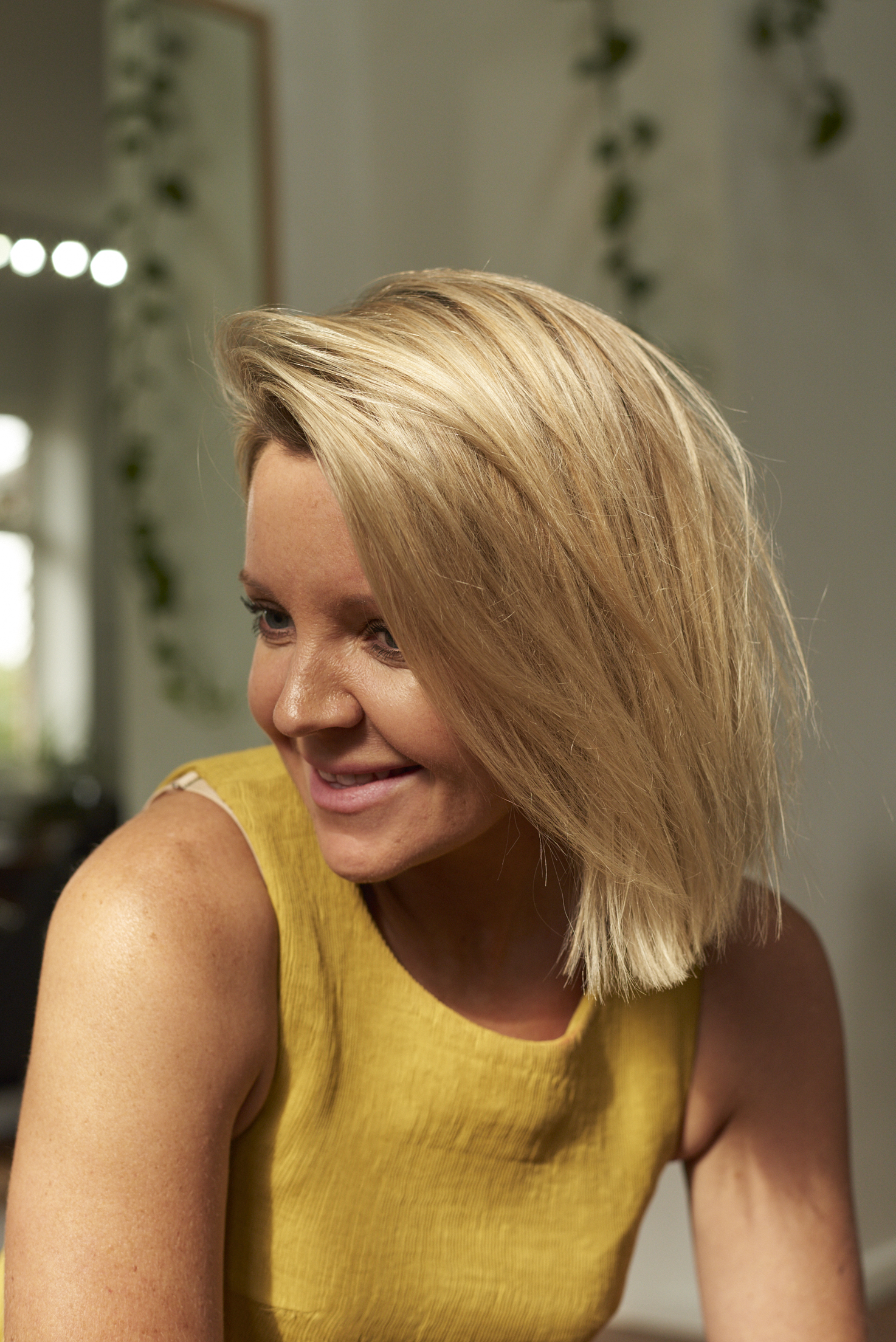 KATE MANION  SENIOR STYLIST  Working in hair salons through London, Sydney and Melbourne, Kate has settled in as Min. Studio as a part-time Senior Stylist. Understated, calm and inspired by music, Kate is drawn to creating natural looks with colour and complimenting cuts. Highly experienced in sharp and structured cutting, Kate livens our space through her warm conversation and sense of humour.   @kate_manion