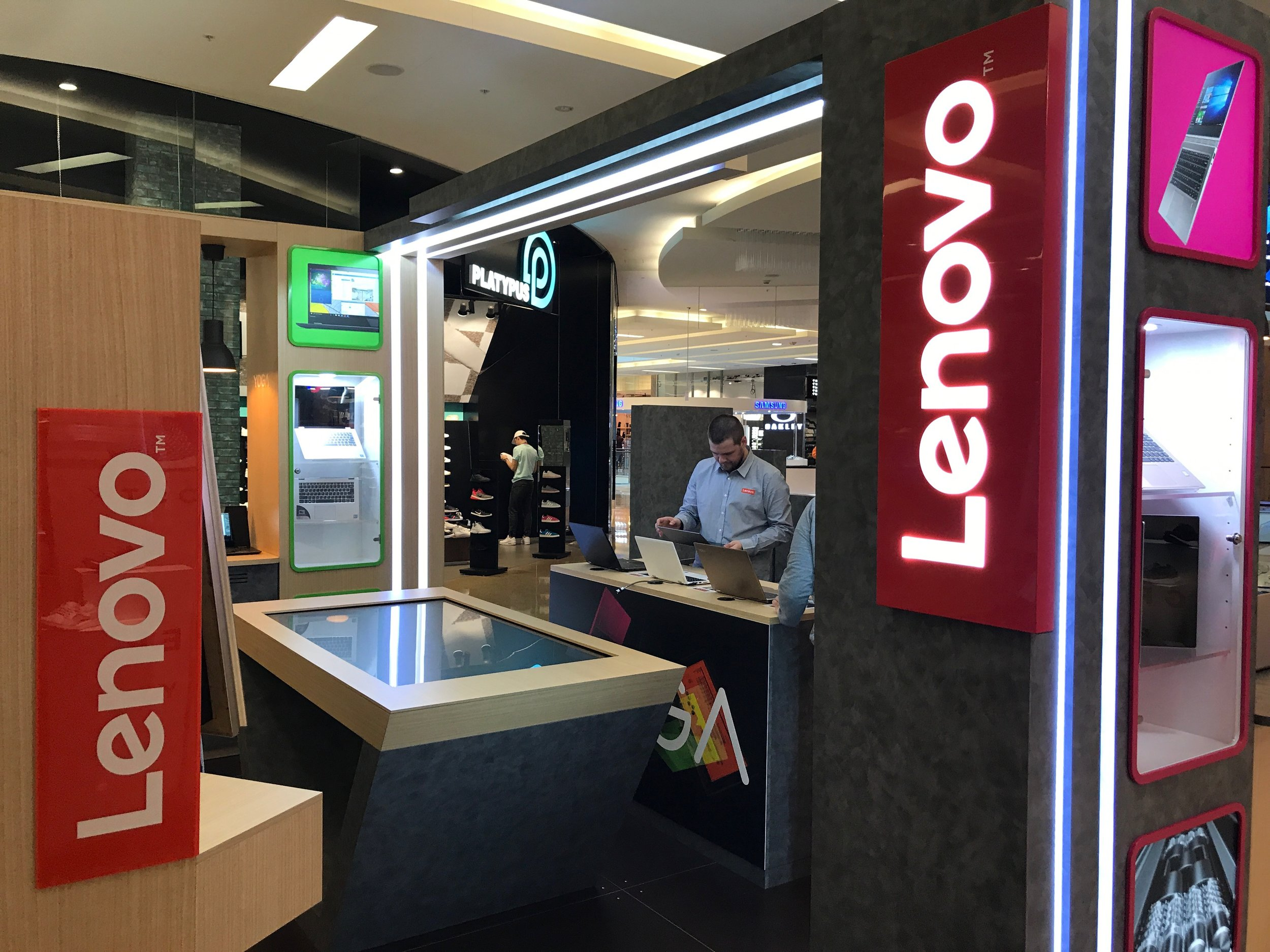 Lenovo Australia - Shopping Centre Retail