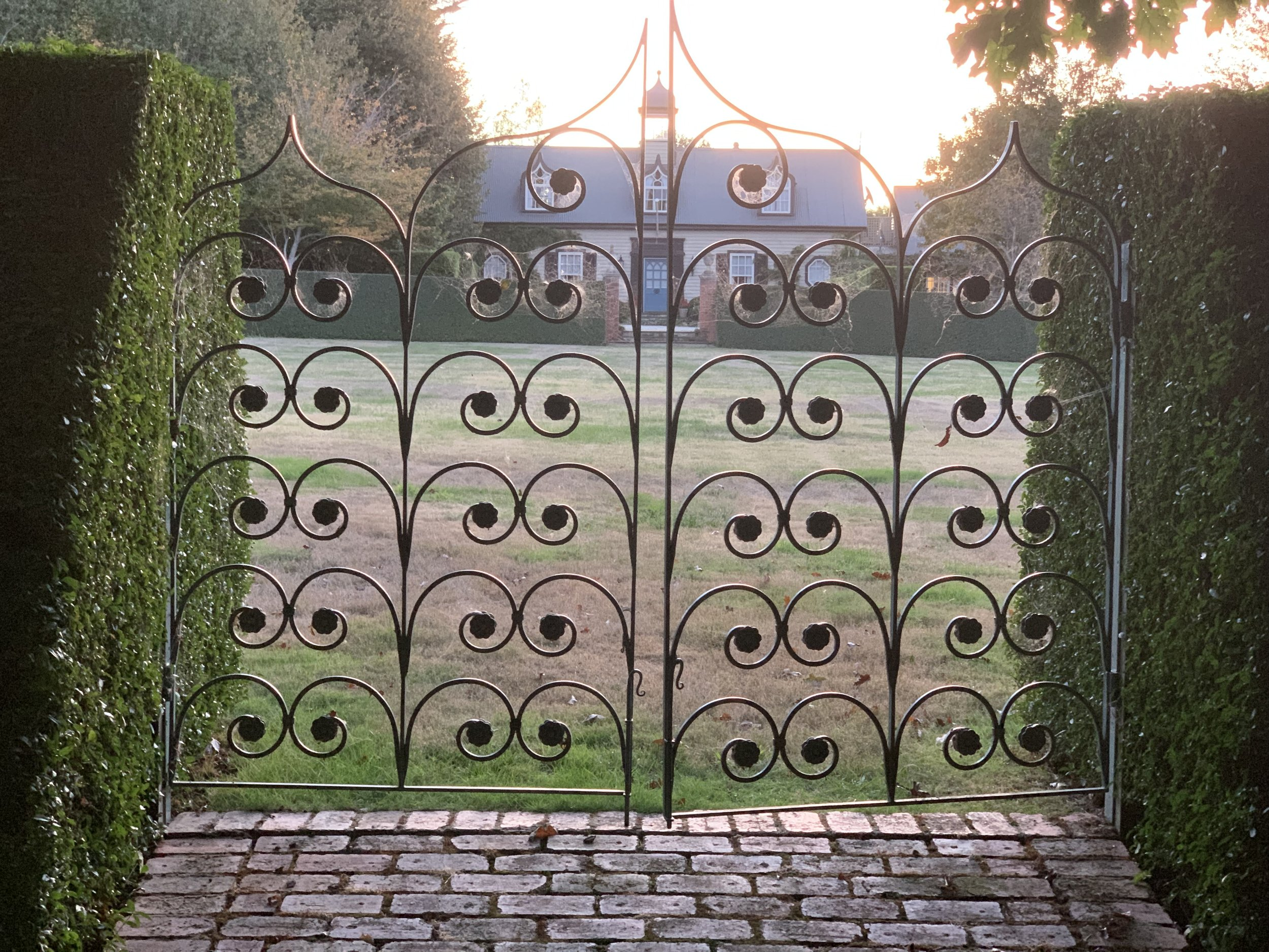 muskfarm_gate_oval_IMG_0029.jpeg