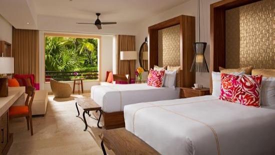 junior-suite-tropical.jpg