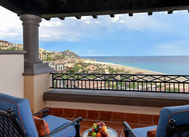 Pueblo-Bonito-Sunset-Junior-Suite-Oceanview-4-5a79ff32b9497-620x450.jpg