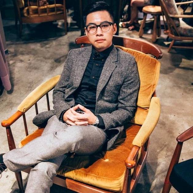 alfred lin - Alfred Lin is originally from Taiwan (Republic of China, R.O.C.), currently pursuing his Master of Arts in International Relations with the concentration in Asian Studies at New York University. Before he came to New York, he finished his first Master Degree study in Cross-Strait Relations at Nationa Taiwan University(NTU), obtained his Bachelor of Arts in History and Political Science at National Chengchi University(NCCU), where he was Chairman of Student Association of the NCCU. He has serviced as a speechwriter at the Office of the President of the R.O.C. and also has lots of experience in writing opinions of public affairs for newspapers in Taiwan and overseas. As the youngest member of Central Standing Committee of the Chinese Nationalist Party(Kuomintang), he has met with Chinese President Xi during the 2015 Xi-Chu meeting. His experience of public affairs and academic interest is in International History, Cross-strait relations, Politics of Mainland China and Taiwan and Taiwan's Policy on National Security