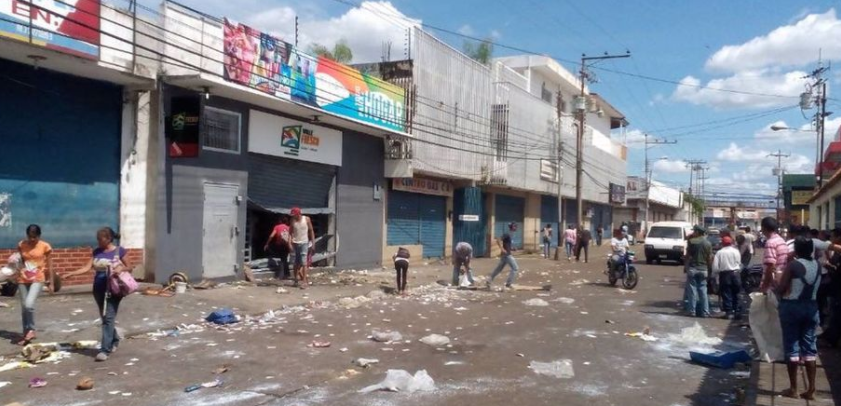 The economic crisis and the food shortage in Venezuela are so serious that looting has become commonplace throughout the country (ZeroHedge)