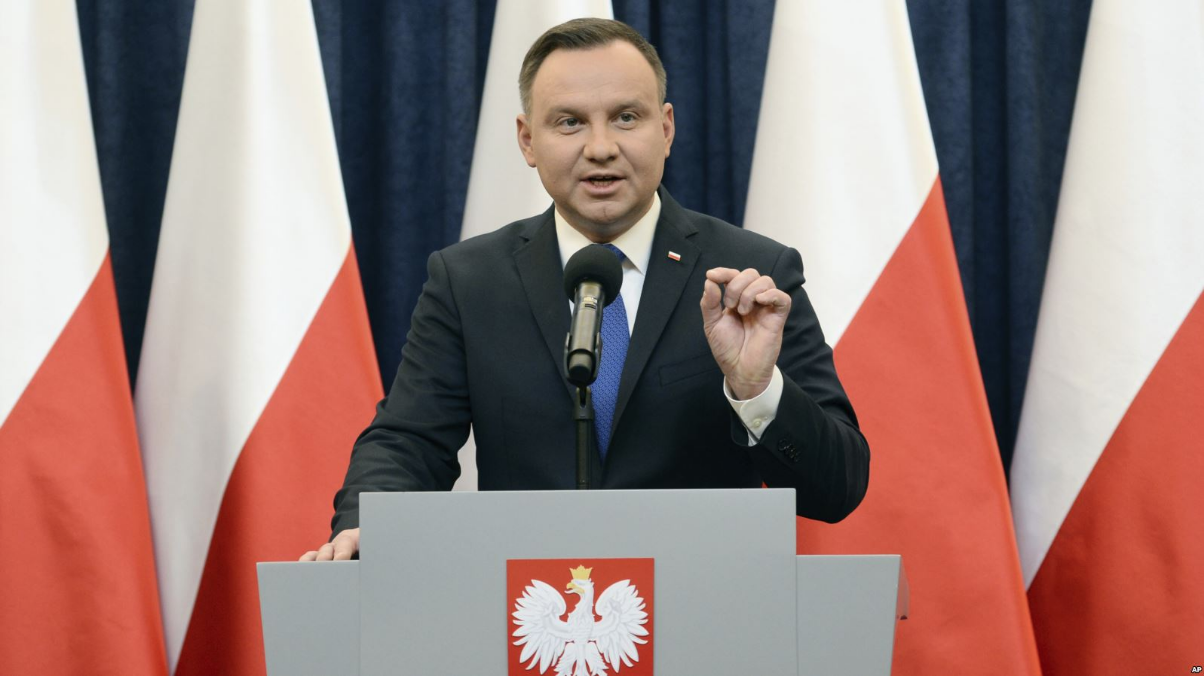 [Poland's President Andrzej Duda announces his decision to sign the bill criminalizing certain statements about the Holocaust on Feb. 6, 2018. Photo: AP]