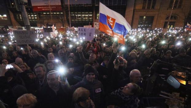 Anti-government demonstrators rally in Bratislava, capital of Slovakia, on Mar. 9, 2018. (AP/Ronald Zak)