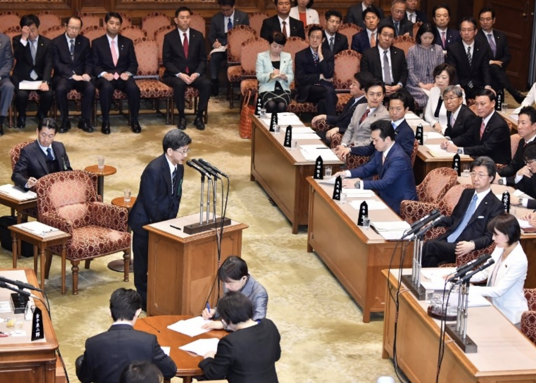 [Former head of the National Tax Agency Nobuhisa Sagawa testifies in front of a National Diet committee in Tokyo on Mar. 27, 2018. Photo: AFP]