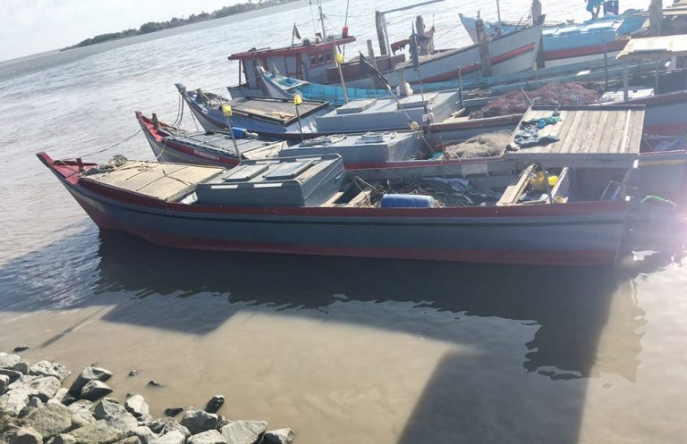 One of the fishing boats which was taken hostage, the Romina (Source:  Kaiter News )