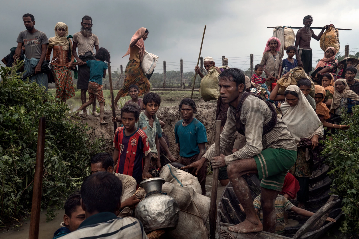Rohingya refugees wait for boats in Myanmar to take them to Bangladesh.  Photo: Adam Dean, The New York Times