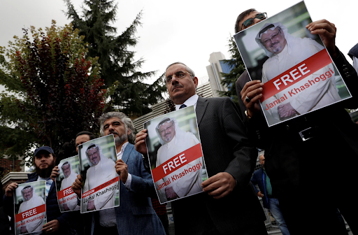 A protest outside of the Saudi Consulate in Istanbul, where journalist Jamal Khashoggi was allegedly murdered by Saudi operatives.  Photo : Murad Sezer / Reuters