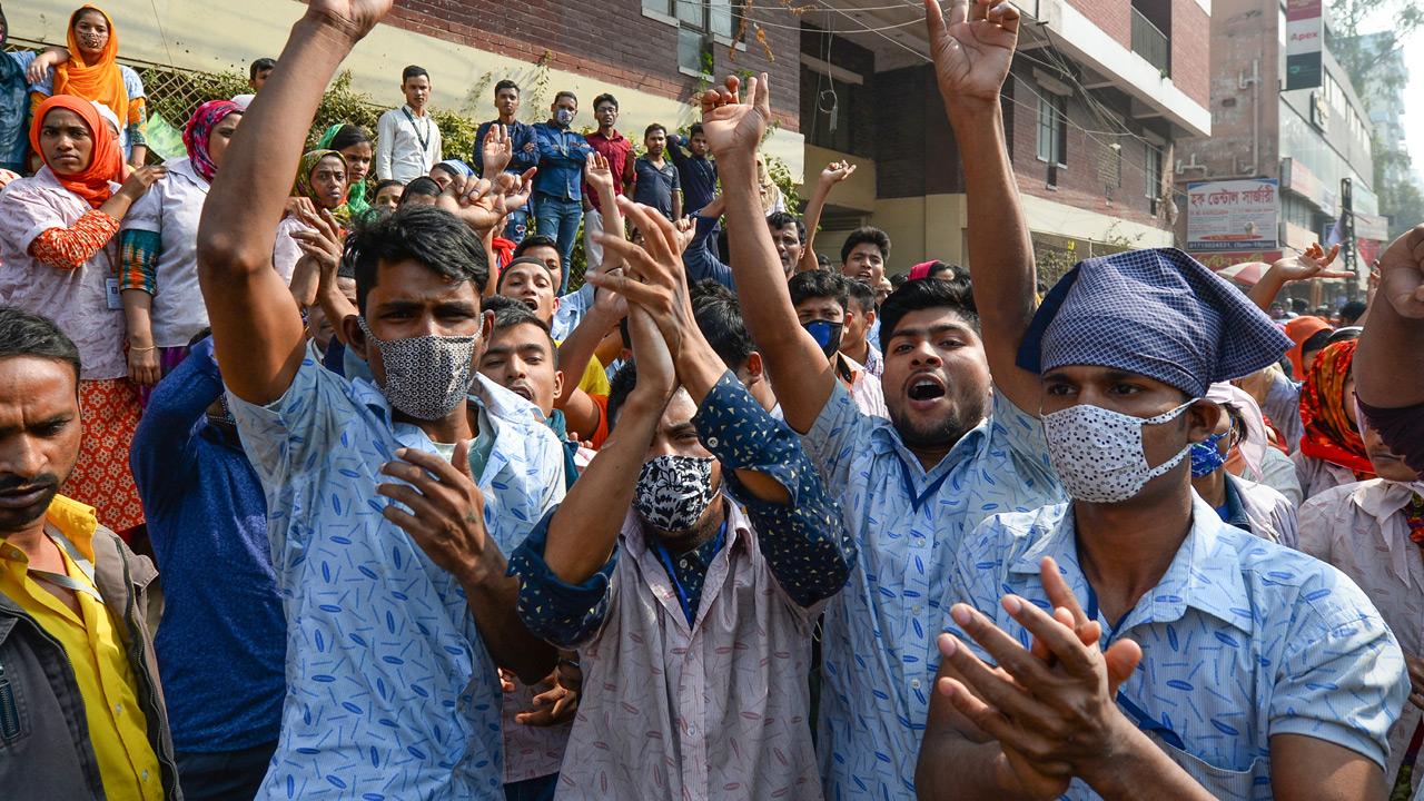 Bangladeshi workers protesting in Dhaka on January 10, 2019; Photo:  The Guardian Nigeria , UZ ZAMAN AFP