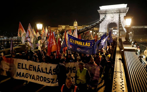 Protests in the Hungarian capital of Budapest following the State of the Nation Address by PM Orbán. Photo.    Source: Reuters