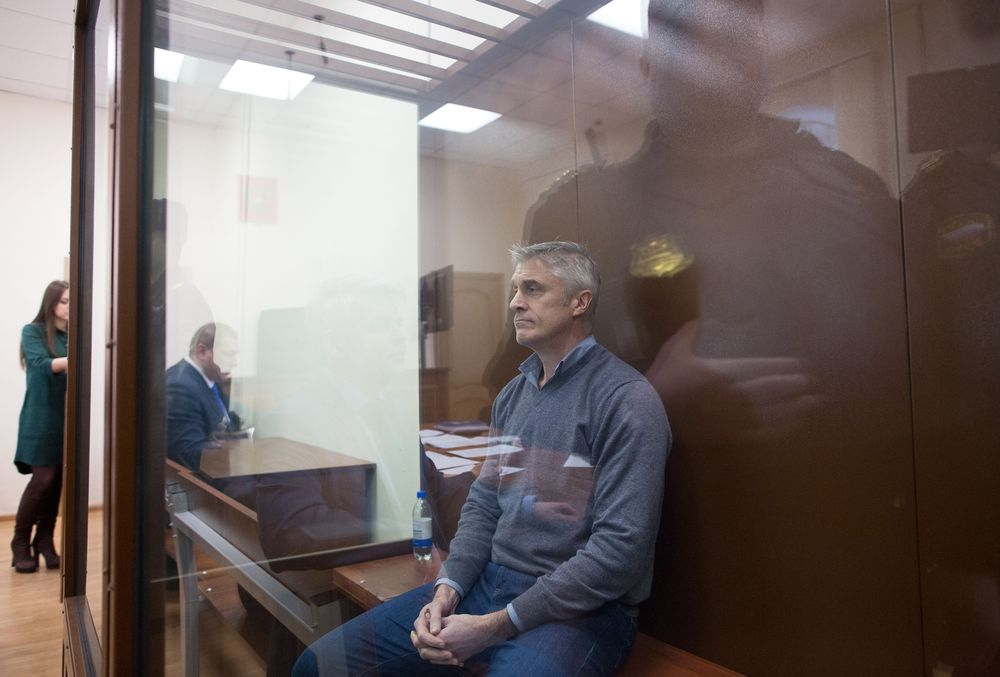 Michael Calvey, founder of Baring Vostok, in a pretrial detainment hearing in Moscow. Photo.    Source: Andrey Rudakov/Bloomberg