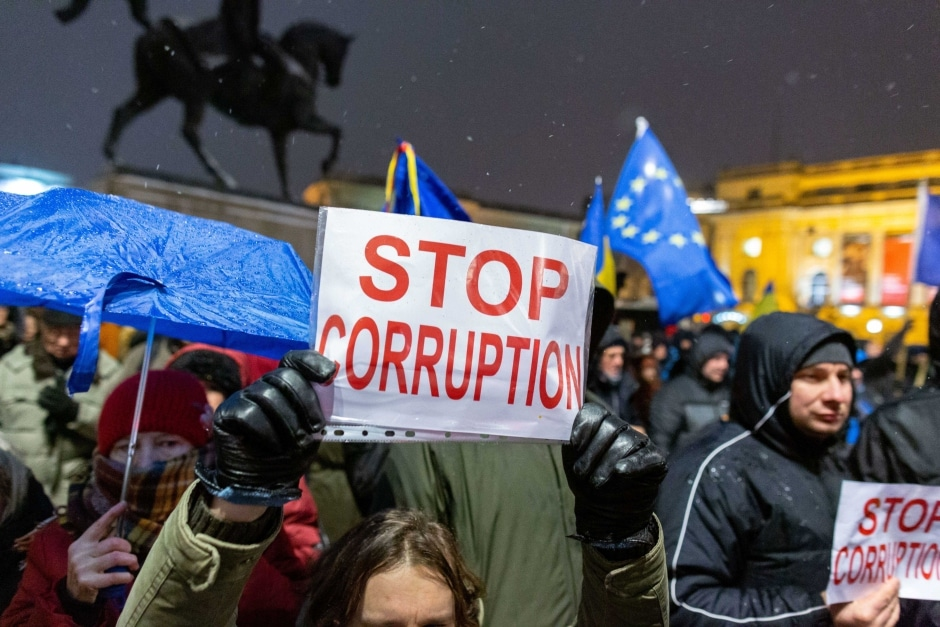 Romanians rally in the capital Bucharest with anti-corruption, pro-EU, and anti-government signs and banners on Jan. 11, 2019. Photo:  Liviu Florin Albei/Inquam Photos