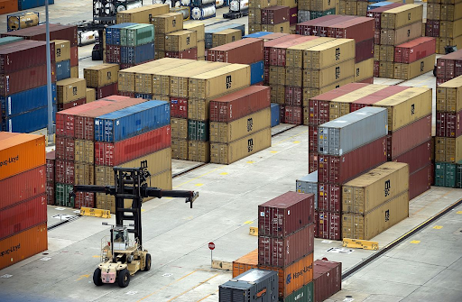 Photo of a shipping yard.  Photo: Bloomberg