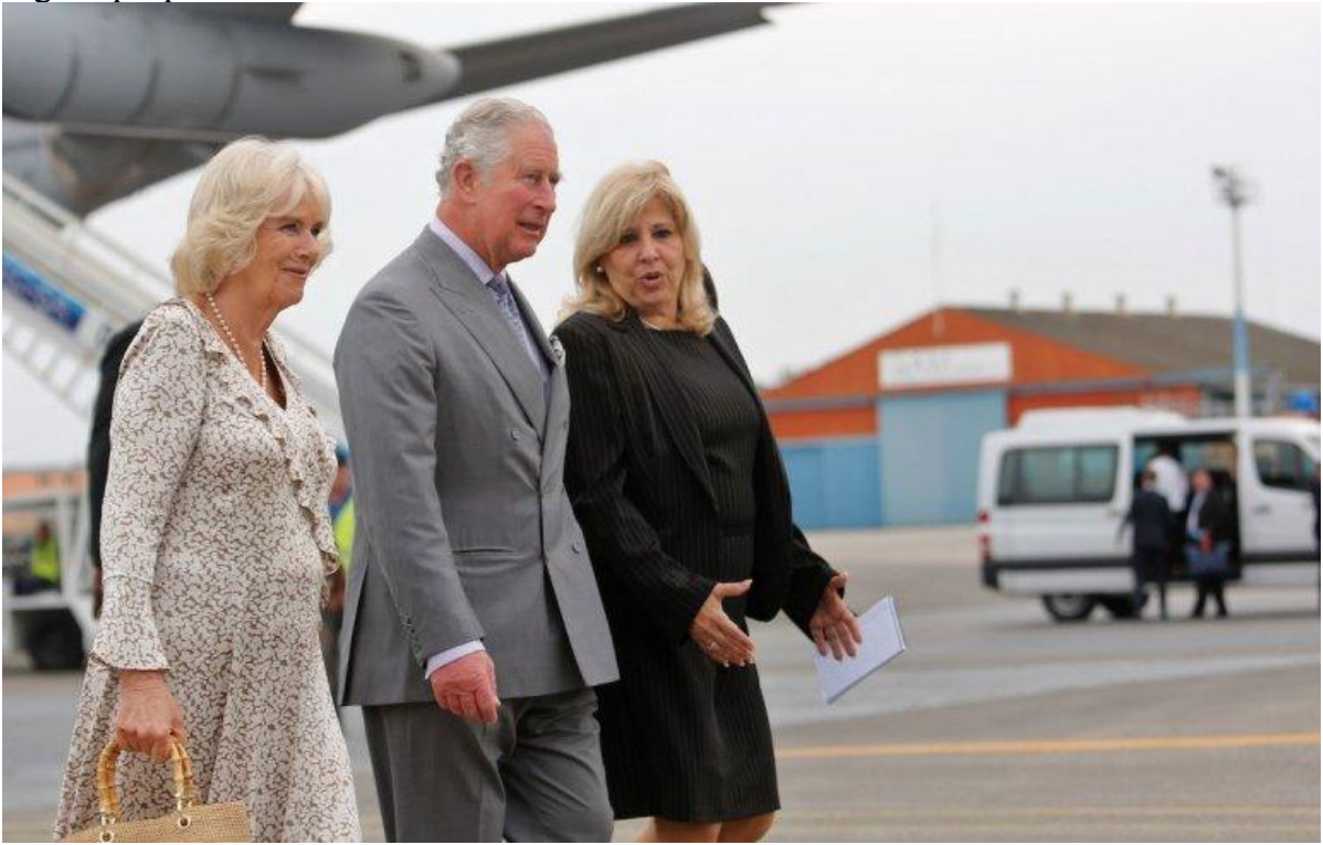 Their Royal Highnesses arriving at the airport in Havana, greeted by Vice Minister of Foreign Relations Ana Teresita González Fraga.  Photo: EFE/  Diario de las Américas
