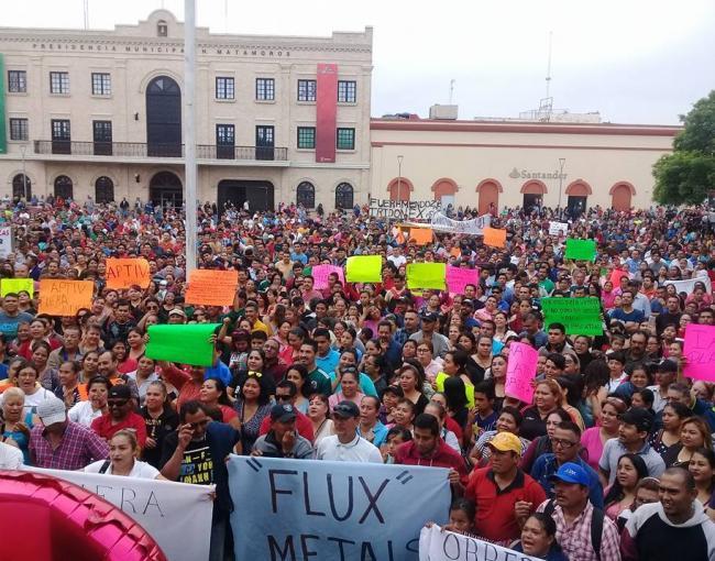 Large-scale protest in Matamoros. Photo:  Obreros Unidos Matamoros/Facebook