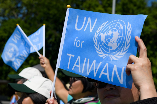 Pro-Taiwan demonstrators gather outside of the United Nations Office at Geneva on May 22, 2017, the opening day of the 70th World Health Assembly. Photo:  AFP