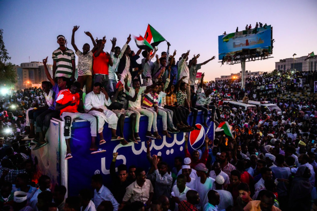 Protesters have remained in the streets since Omar al-Bashir was ousted from power in mid-April. They are calling for a civilian-led transitional council to lead instead of the military. Photo: Bryan Denton/ The New York Times .