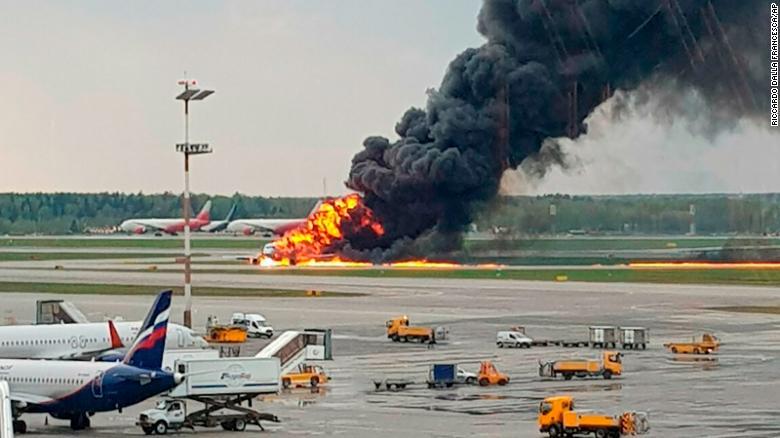 Aeroflot flight 1492 engulfed in flames on the runway of Sheremetyevo Airport. Photo.    Source: CNN