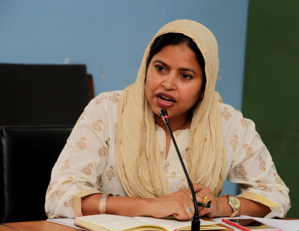 Mohna Ansari, speaking at an event in 2018. Photo. Source:  Wikimedia Commons