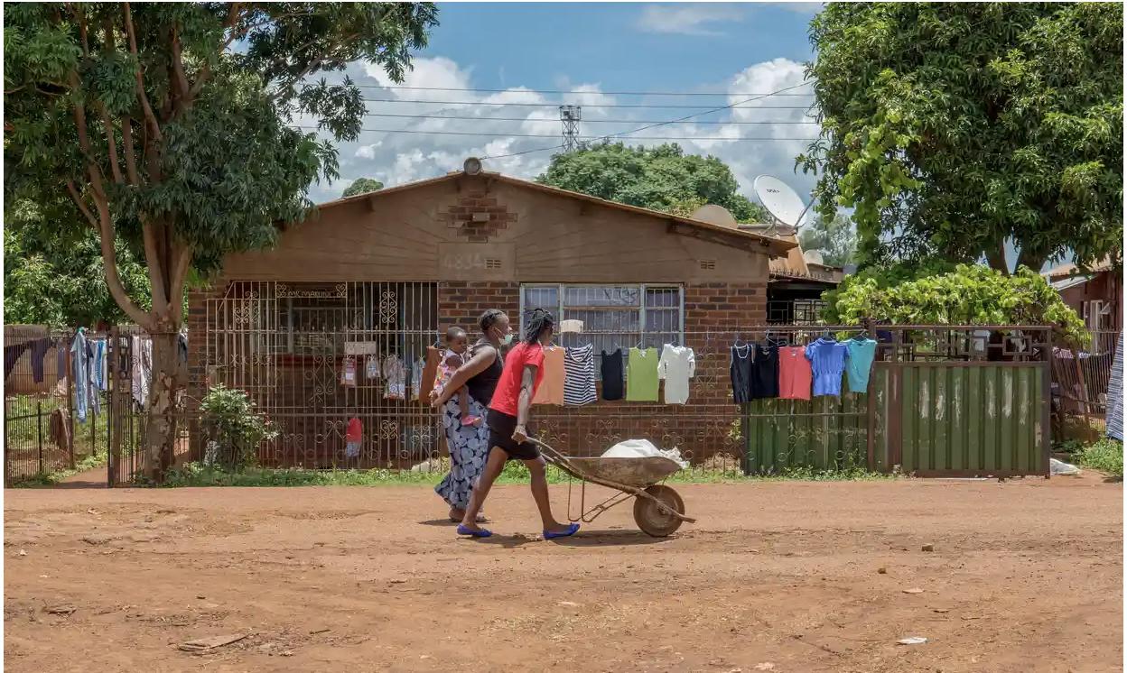 Women in Kuwadzana, Zimbabwe, a town overrun with drug problems. Photo: Cynthia Matonhodze - The Guardian