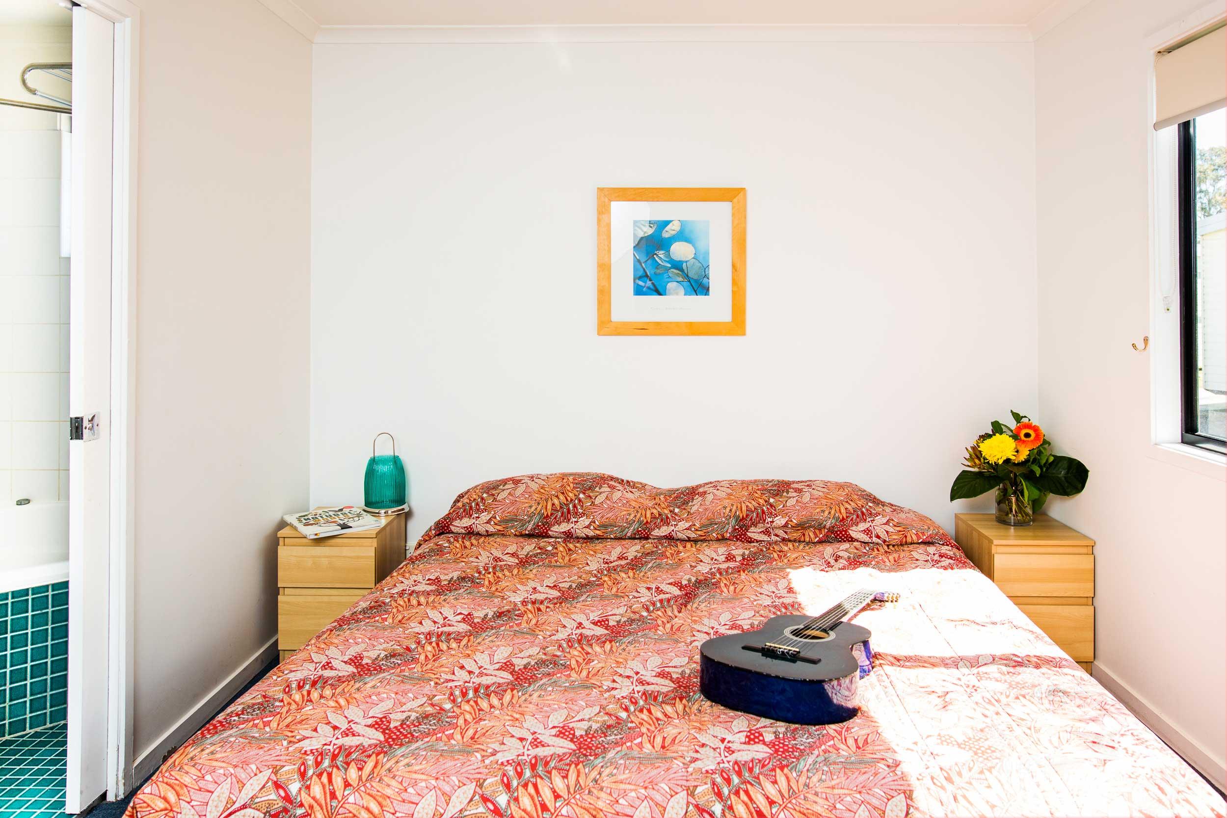 Belmont Bayview Park | Spa Cabin | Main Bedroom