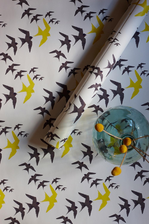 Flock - Black & Yellow wallpaper