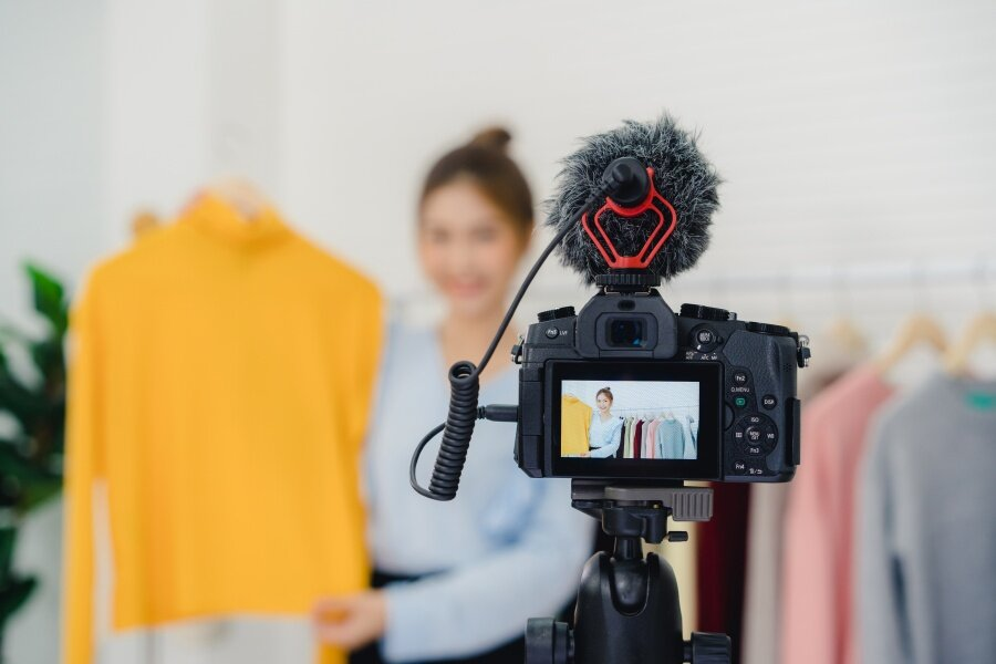 Page365-Selling Clothes on Facebook Live.jpg