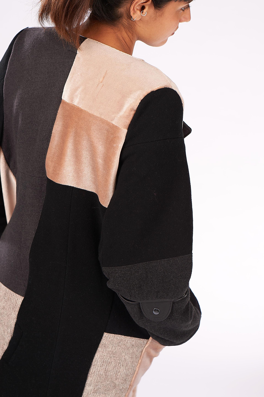 Vintage? Wir bringen dich zurück auf die Straße. - Unsere Mission ist es, Vintageschätze zu bergen, sie auseinander zunehmen und ganz neu wieder zusammenzusetzen. Wir lieben Qualität und achten darauf,dass wir nur die besten Materialien verwenden. Cool wird es, wenn wir das Ganze dann in aktuelle Trends umsetzen...und auf einmal ist ein Mantel aus den 80ern ein Mantel aus der nächsten Winterkollektion 2018. Wir nennen das RE-FASHION.
