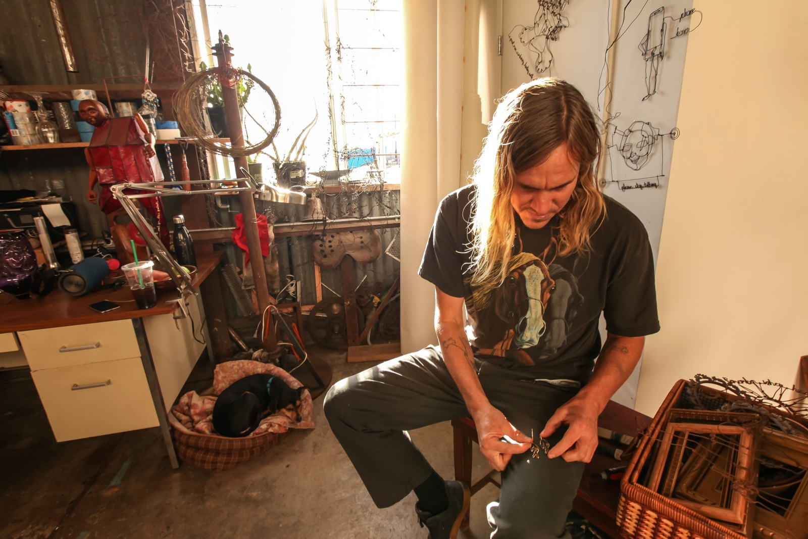 Image: 111minnagallery.com (The Artist in his Glashaus studio)