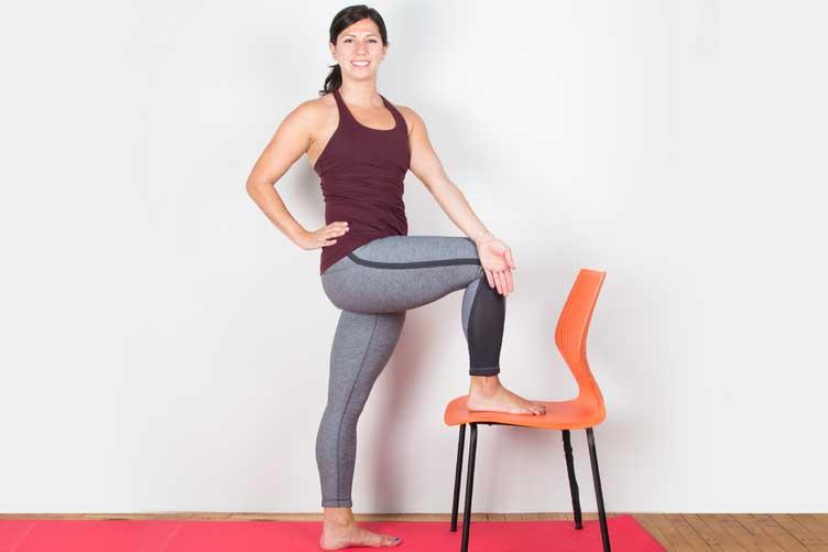 sciatica-posa-yoga benefici cura annalisa bachmann bra cuneo torino studio shiatsu trattamento medicina naturale alternativa .jpg