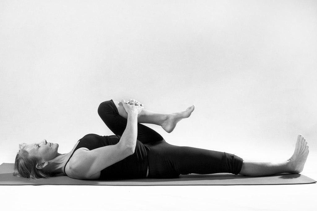 sciatica-posa-yoga benefici cura annalisa bachmann bra cuneo torino studio shiatsu trattamento medicina naturale alternativa torino.jpg