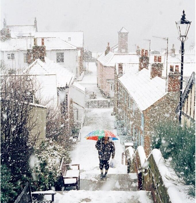 snowy%2Baldeburgh%2Bsteps.jpg