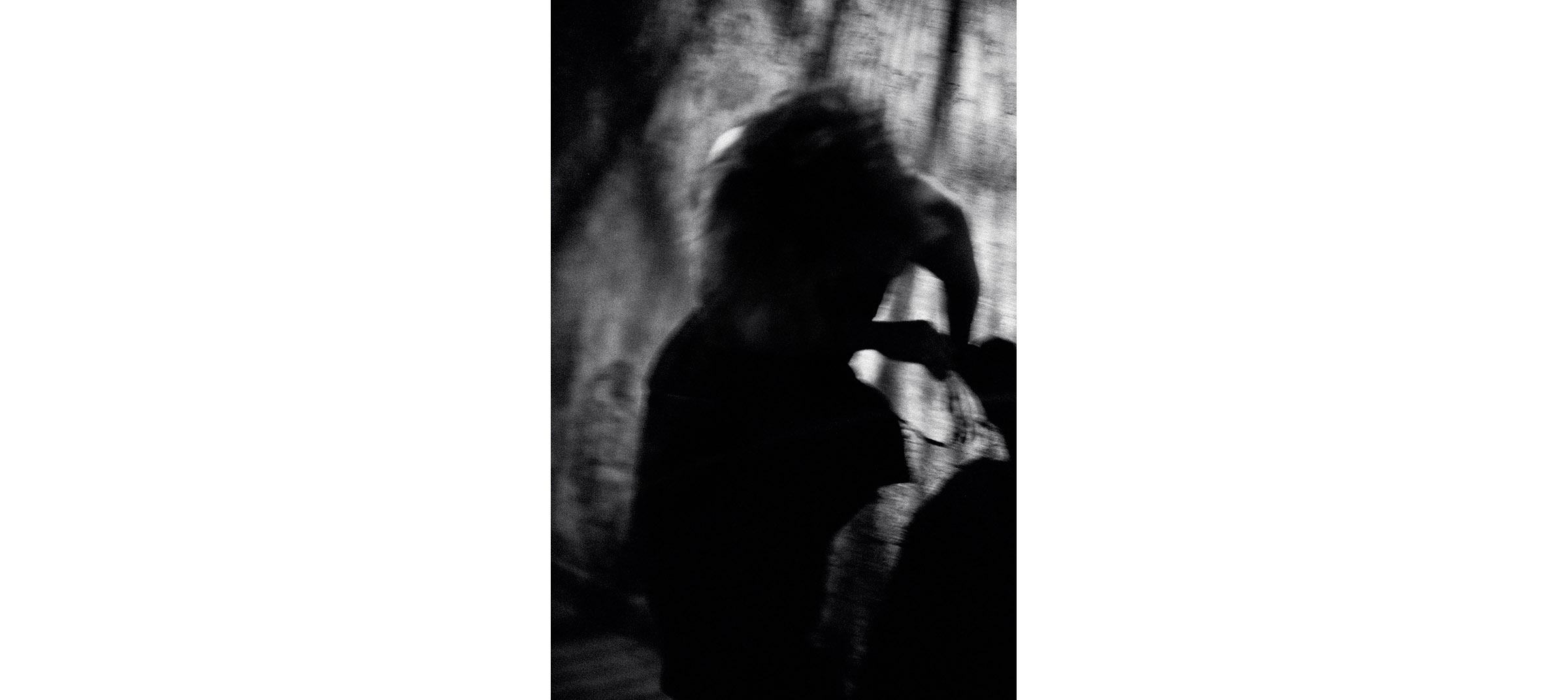 Black & White  Untitled N°29, 1985 Tirage gélatino argentique, 135 x 90 cm | Gelatin silver print, 53,15 x 35,43 inches  3/6