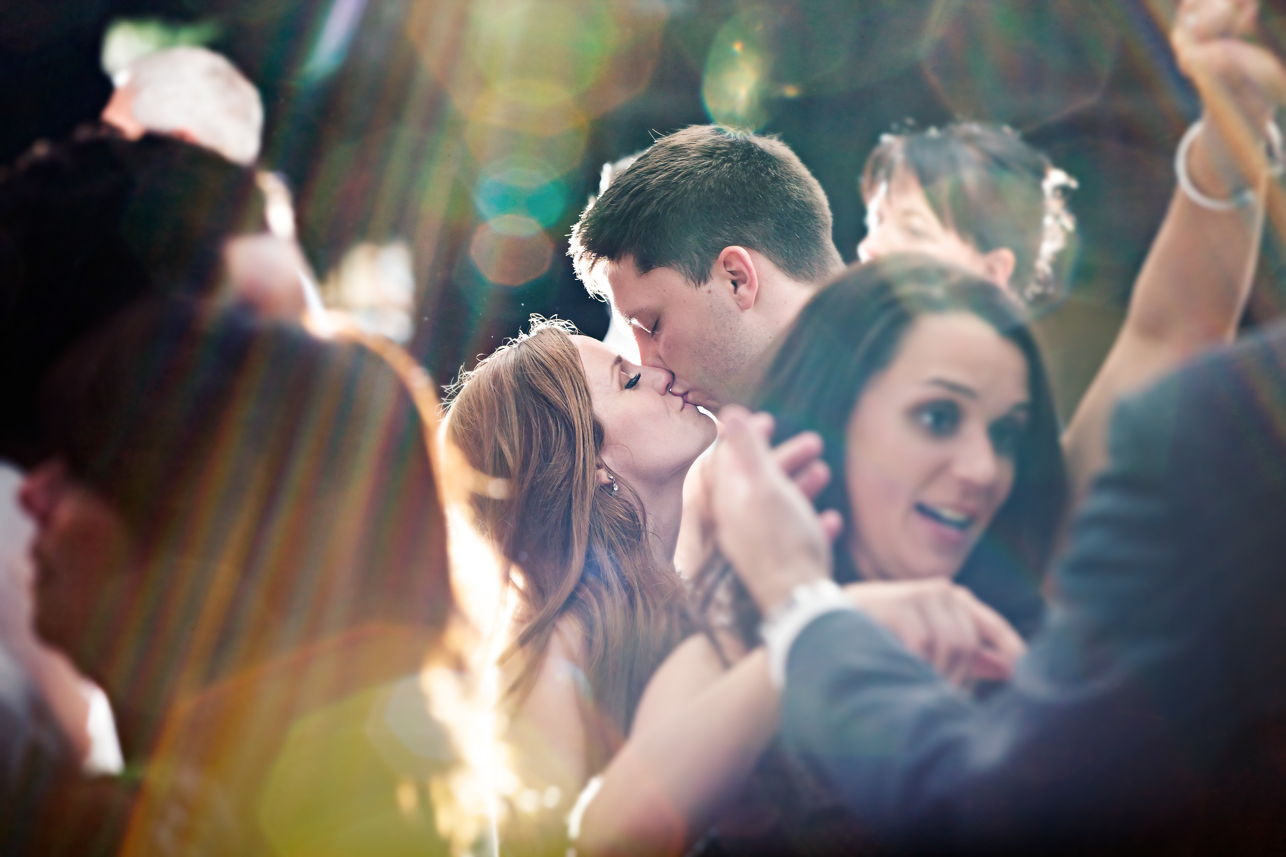 Ohhhh those sneaky little kisses on the dance floor, on your wedding day! One of our favourite moments of the day! xo