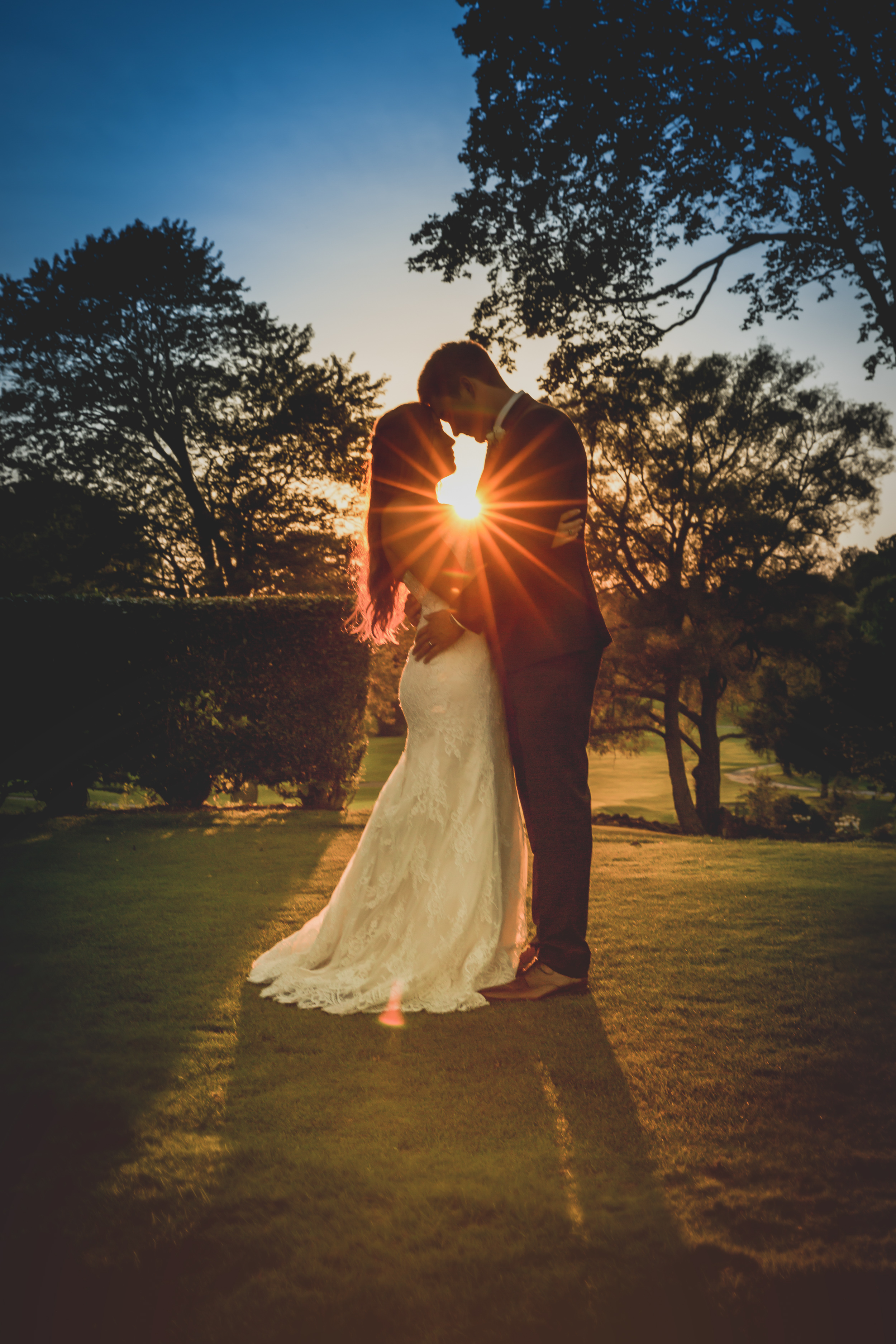 That light! When Golden Hour meets Happily Ever After!