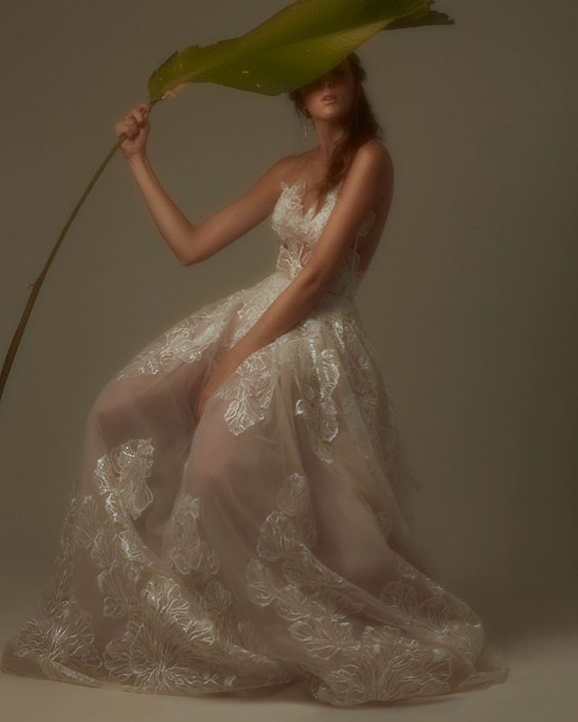 Dreaming on my own fairy tale #weddingvibes #bridal #VA #ValentinaAmengual #weddingdress
