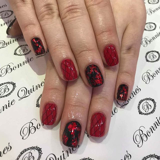 Gel Polish appointments available @ 4:30pm & 4:45pm for those last minute Minni's 🖤❤️ 👉🏽 http://bonniequines.com/book-online ☎️ 01506858896 📲 Private Mail via Facebook  To book an Appointment x #gelpolish #appointmentsavailable
