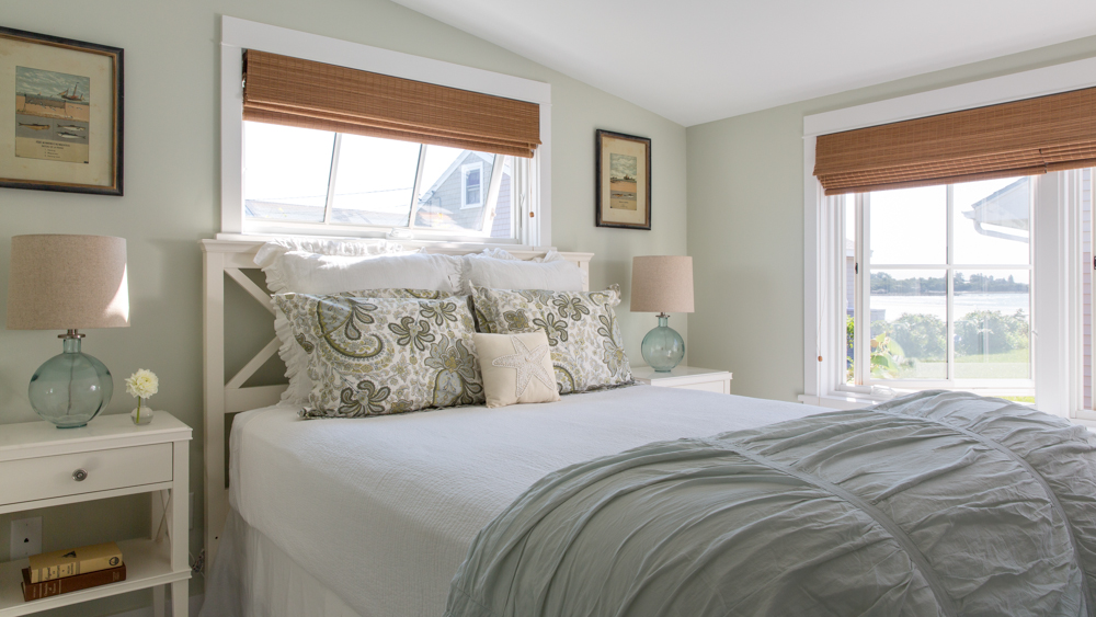 Hurlbutt-Scarborough-Higgins-Beach_Bedroom_5.18.jpg