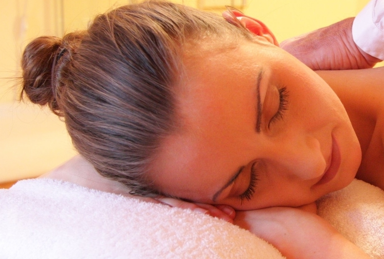 Indian Head Massage - Say good-bye to neck and shoulder tension, headaches and sinus pain