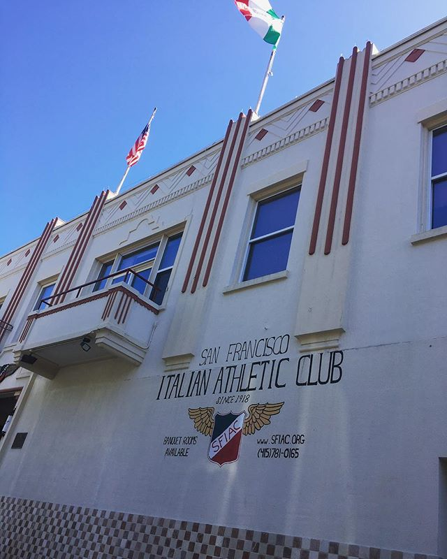 Blue skies and tricolores at the @eventssfitalianathleticclub. #sanfrancisco #sport #sporty #athleticclub