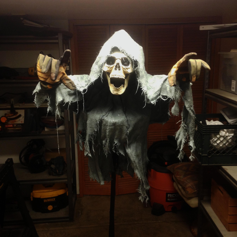 Ghost_decoration_halloween_keaneggett_kean_props.JPG