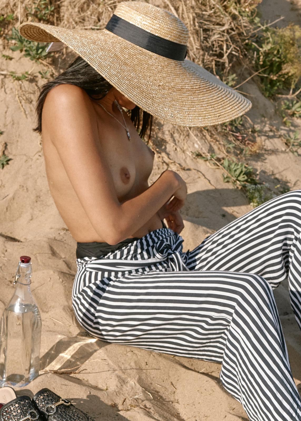 Sophie A Beach - June 2018 - 0221 web.jpg