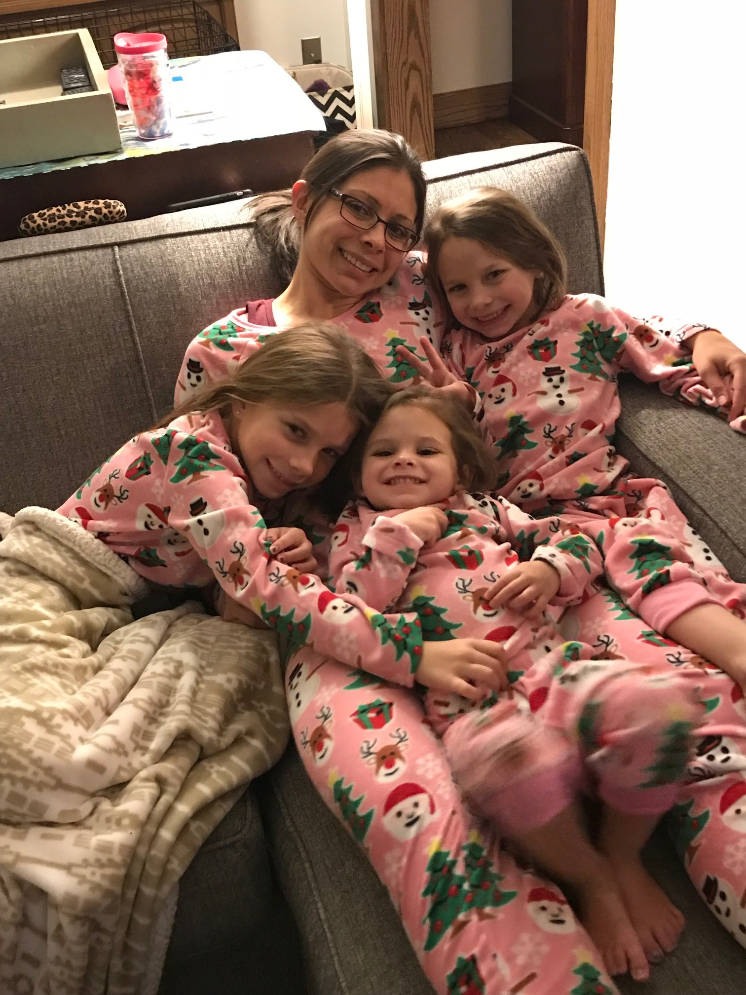 Popcorn, family, pets and cuddles - the best way to spend the weekend