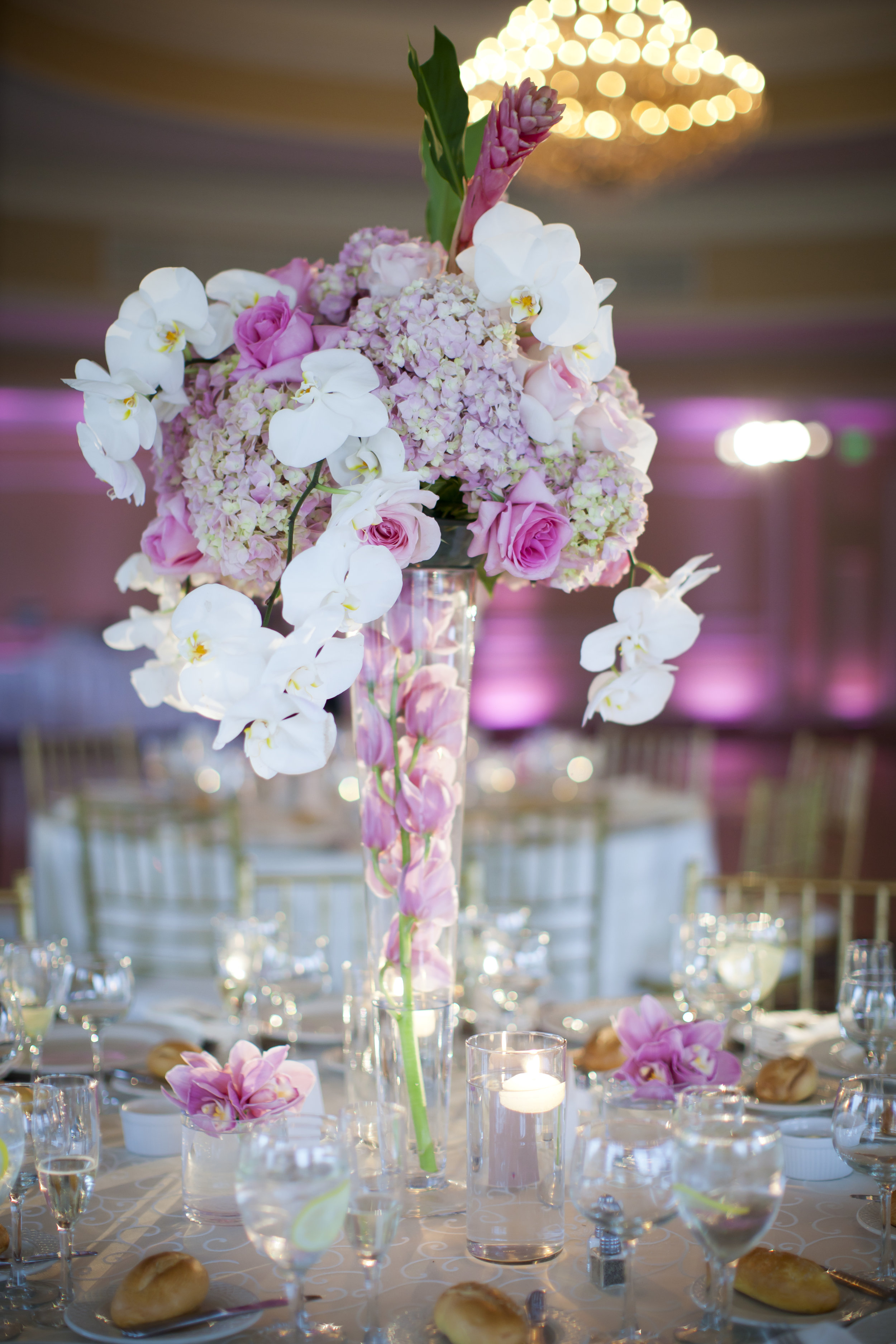 Pink and White Wedding Centerpieces (2).jpg
