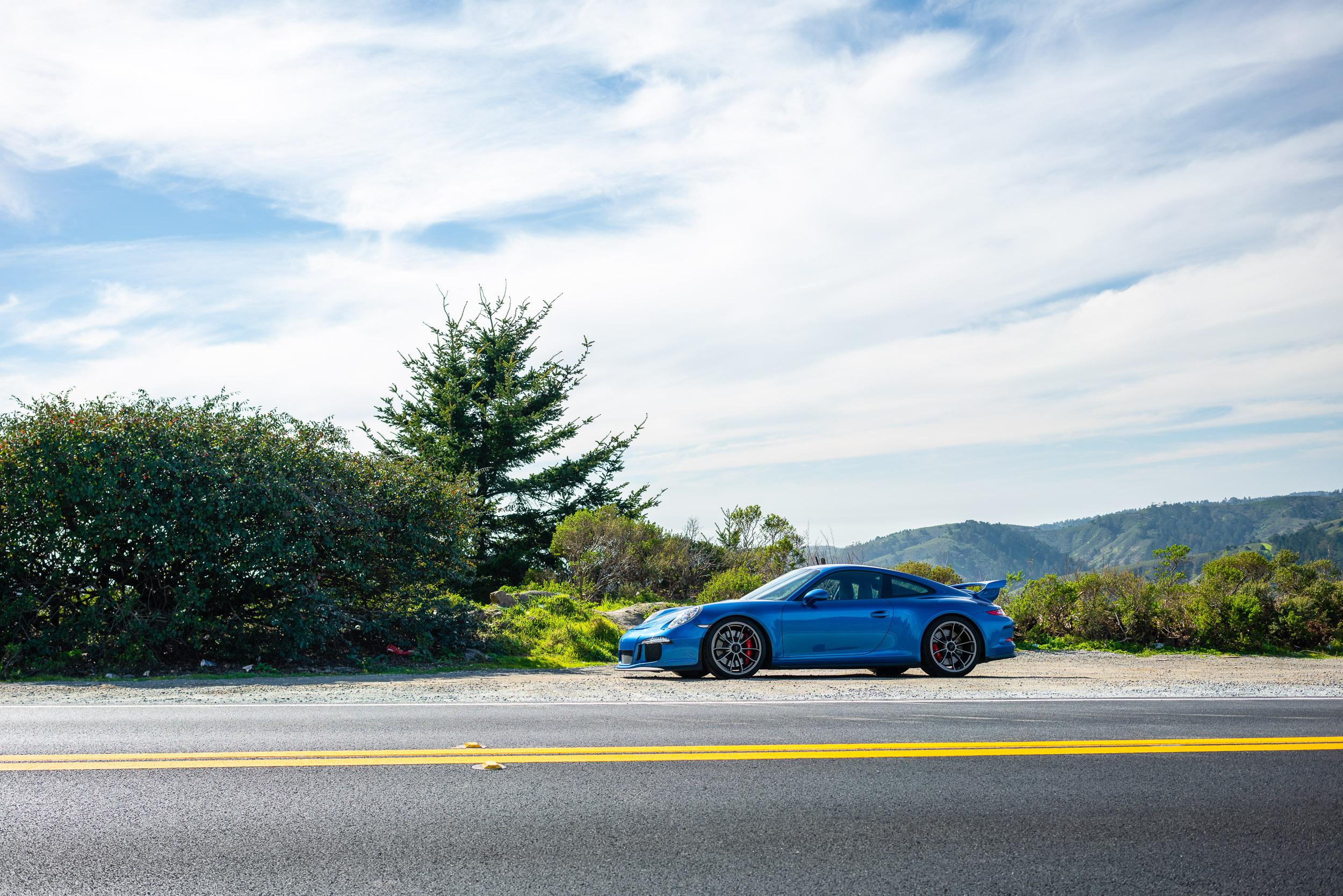 porsche-911-gt3-roadside-skyline.jpg