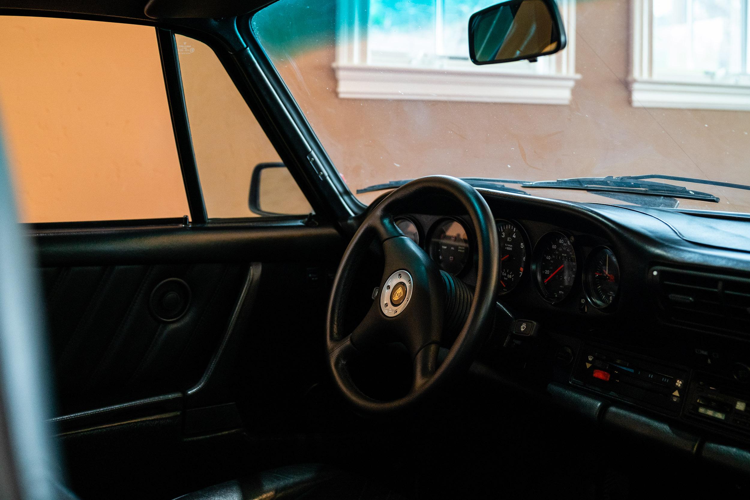 20190406-DSC05565-tcl-meet-930-interior.jpg